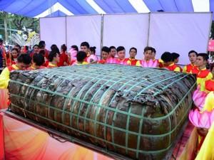 Tin tức trong ngày - TPHCM: Dâng lễ vật khổng lồ lên vua Hùng ngày Giỗ Tổ