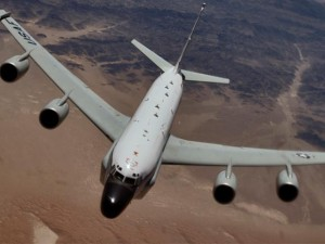 Thế giới - Chiến đấu cơ Nga chặn sát mũi máy bay do thám Mỹ