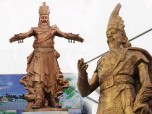 Ảnh: Cận cảnh ba mẫu phác thảo tượng Hùng Vương