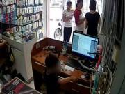 An ninh Xã hội - Phẫn nộ clip người phụ nữ chỉ bé trai trộm điện thoại