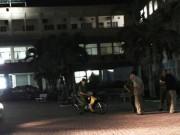 An ninh Xã hội - Cãi nhau với bác sĩ, bị côn đồ chém trước khoa cấp cứu