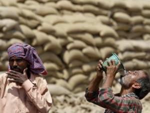 Thế giới - Nắng nóng khủng khiếp ở Ấn Độ, hơn 100 người thiệt mạng