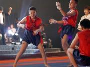 Thể thao - Xem múa côn, ra đòn đẹp mắt ở Liên hoan võ thuật TP HCM