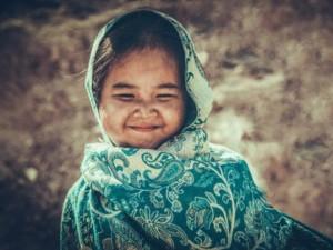 Phim - Chân dung cô bé 5 tuổi đóng phim cùng Hoài Linh