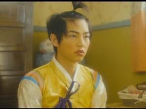 Phim - Hài hước hình ảnh Song Joong Ki trang điểm, buộc tóc