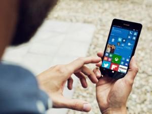 Thời trang Hi-tech - Microsoft chỉ bán 2,3 triệu máy Lumia, doanh số thê thảm