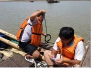 Tin tức trong ngày - Lấy 400 mẫu tìm nguyên nhân cá chết ở miền Trung