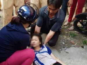 Tin tức trong ngày - CSGT lái cano cứu thiếu nữ nhảy cầu Chương Dương tự tử