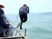 Tin tức trong ngày - Các thợ lặn né kể về công việc ở cảng nước Sơn Dương