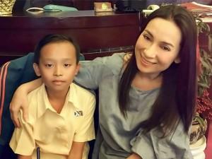 Ca nhạc - MTV - Phi Nhung lo học phí cho cậu bé hát đám cưới hết lớp 12