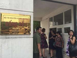 Tin tức trong ngày - 7 bộ họp kín về nguyên nhân cá chết dọc biển miền Trung
