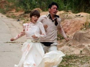 Nguyễn Phi Hùng bầm dập trong phim của Hoài Linh