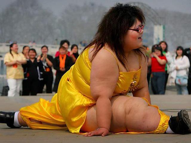 Đừng tưởng chị béo mà chị không khéo nhé!