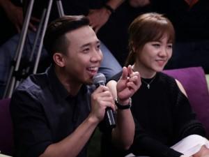 """Trấn Thành hát lời  """" cầu hôn """"  với Hari Won"""