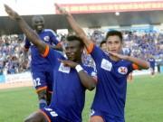Bóng đá - Sôi động V-League 30/4: Mưa bàn thắng tại Cẩm Phả