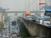 Video An ninh - Nghẹt thở cảnh ùn tắc sáng 30/4 tại Hà Nội