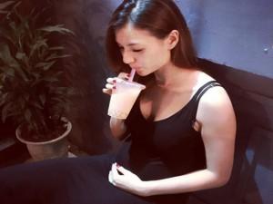 Facebook sao 1.5: Hồng Quế lần đầu khoe bụng bầu