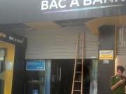 Tin tức trong ngày - Sửa cửa cuốn, một bảo vệ ngân hàng bị kẹp tử vong