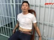 """Video An ninh - """"Ngáo đá"""" rút dao khống chế hai cụ già"""