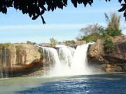 Tin tức trong ngày - Tìm thấy thi thể thanh niên rơi xuống thác khi chụp ảnh