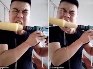 Phi thường - kỳ quặc - Video: Dị nhân TQ ăn hết bắp ngô trong vòng 10 giây