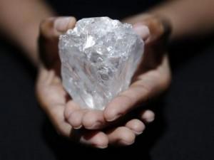Tài chính - Bất động sản - Tìm thấy viên kim cương 3 tỉ năm tuổi lớn nhất thế giới