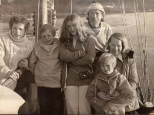 Du lịch - Cá voi sát thủ tấn công, cả nhà trôi dạt 6 tuần trên biển