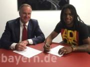 """Bóng đá - Chính thức: Bayern """"cướp hàng"""" MU, tậu luôn Hummels"""