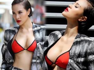 MC Phương Mai táo bạo mặc bikini xuống phố