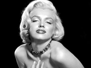 Thời trang - Son môi 52 tuổi của Marilyn Monroe bán giá 440 triệu
