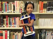 Video An ninh - Cô bé không tay đoạt giải viết chữ đẹp toàn nước Mỹ