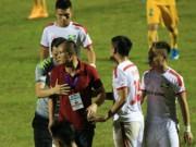 Bóng đá - Vòng 10 V-League: SL Nghệ An vừa đá vừa run