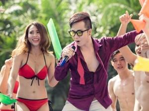 """Ca nhạc - MTV - """"Mặc bikini hát Bolero ở bể bơi vì Sài Gòn quá nóng"""""""