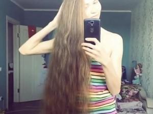 Phi thường - kỳ quặc - Thiếu nữ xinh đẹp 13 năm không cắt tóc