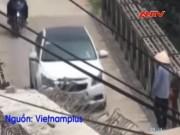 """Video An ninh - Chủ tịch HN yêu cầu xử lý trạm thu phí """"ma"""" ở cầu tạm"""