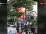 Video An ninh - Clip: Cháy lớn gần Hồ Gươm, cả phố cổ náo loạn