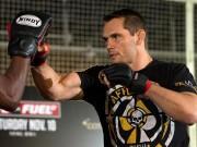Thể thao - Huyền thoại UFC sang Việt Nam trình diễn chiêu độc