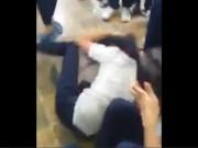 Tin tức trong ngày - Nữ sinh bị đánh hội đồng trong khuôn viên trường