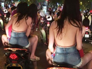 Thời trang - Mốt khoe lưng chính thức xuống phố Hà Nội ngày chớm hè