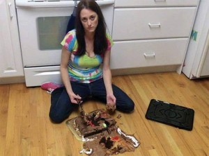 Cười 24H - Nỗi đau nhức nhối khi dân chơi vào bếp