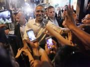 Tin tức trong ngày - Clip: Ông Obama nồng nhiệt bắt tay người dân HN sau khi ăn bún chả