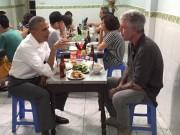 Thời trang - Xuống phố giản dị mà thu hút như Tổng thống Obama