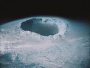 Phi thường - kỳ quặc - NASA phát hiện lỗ hổng khổng lồ trên Trái Đất?