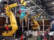 """Công nghệ thông tin - Robot """"cướp"""" việc sản xuất iPhone của 60.000 người TQ"""