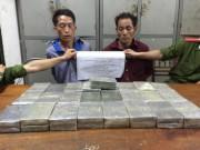 An ninh Xã hội - Ập vào khách sạn, bắt 2 kẻ buôn 50 bánh heroin
