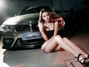 Ô tô - Xe máy - Chân dài gợi cảm bên BMW 3 Series