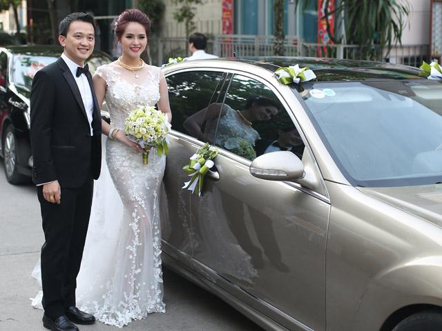 """Hoa khôi Hương Thảo chính thức """"theo chồng về dinh"""""""