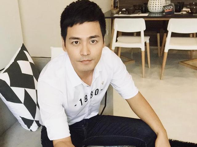 """Kiểu mặc dễ """"gây thương nhớ"""" của MC Phan Anh"""