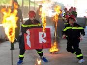 """Tin tức trong ngày - Ảnh: """"Lính cứu hỏa"""" nhí mướt mồ hôi trên thao trường"""