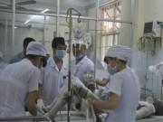 An ninh Xã hội - Mang xăng đến bệnh viện đốt vợ cũ, cả 2 nguy kịch